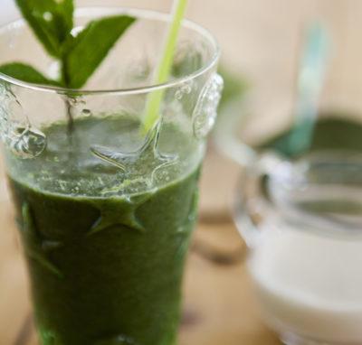 Smoothie di verdure verdi e vaniglia